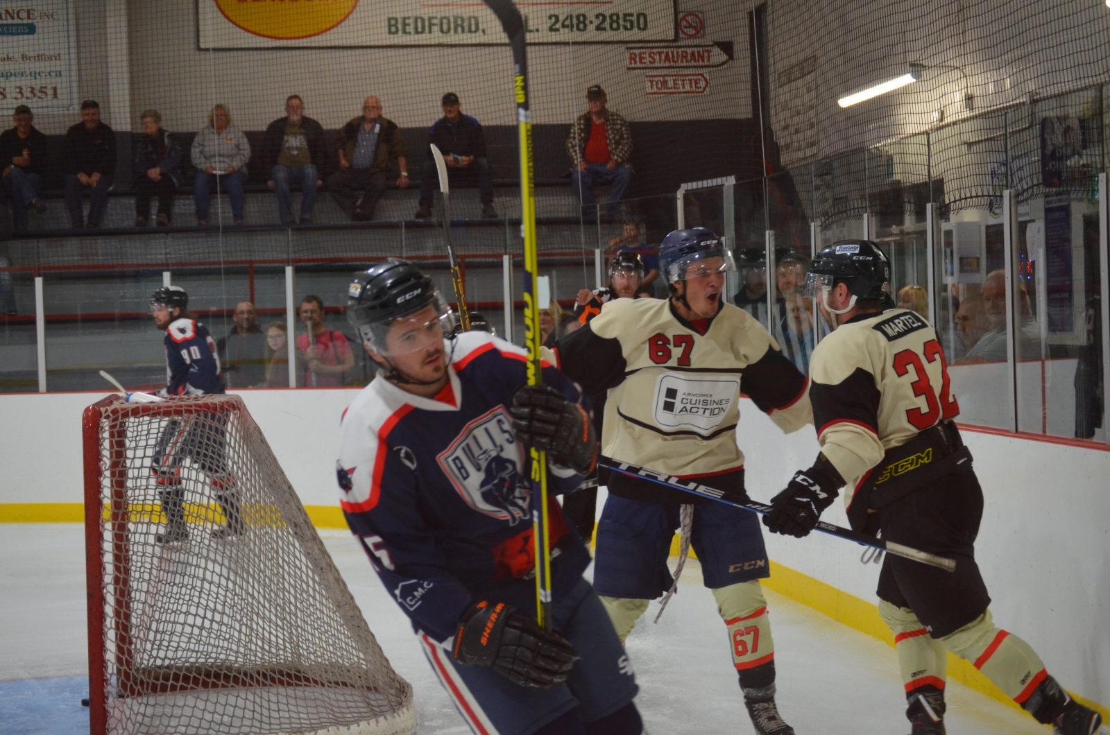 Hockey senior: Bedford l'emporte 6-3 contre Farnham