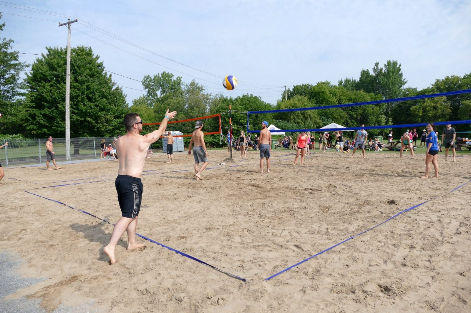 Tournoi de volleyball de plage: la tradition se poursuit à Farnham