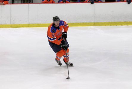 Hockey senior: le Cuisines Action l'emporte devant ses partisans